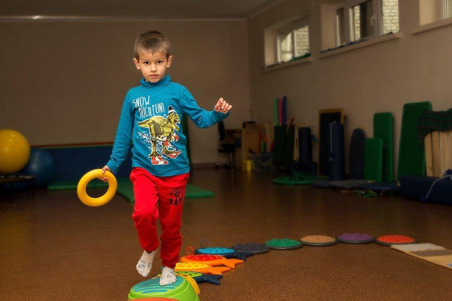 Rozwój integracji sensorycznej w domowym otoczeniu
